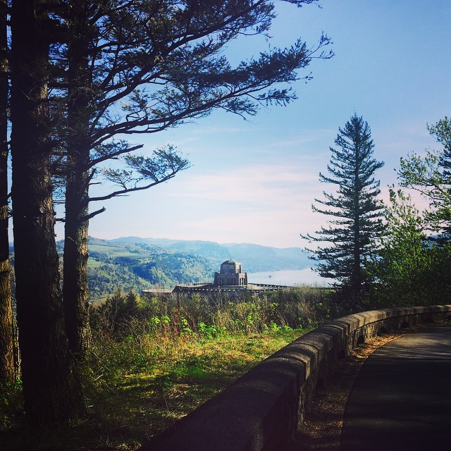 Friends and family in town this summer?  The Gorge is calling. Www.seatosummit.net #columbiarivergorge #summeradventure