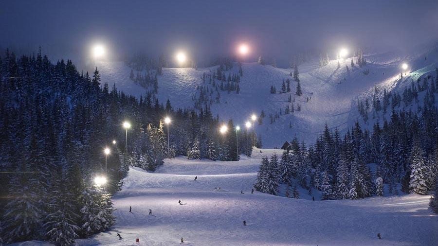 mt-hood-ski-bowl-tour
